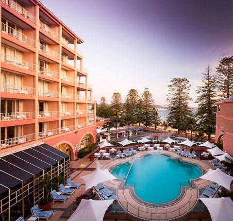 Crowne Plaza Terrigal - Famous for its in-house movies and ice cream