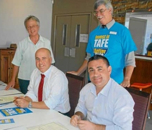 Piccoli signs the pledge to maintain TAFE funding
